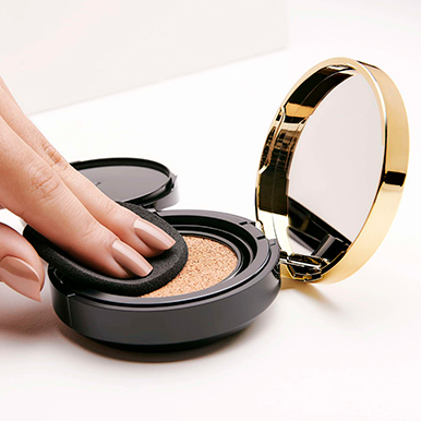 ¿La Base Cushion All Day Ready deja la piel brillante?