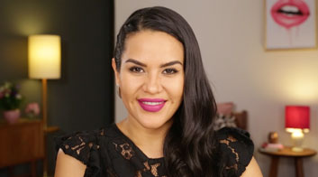 Tutorial de maquillaje de noche glamuroso con labios morados con Mytzi Cervantes