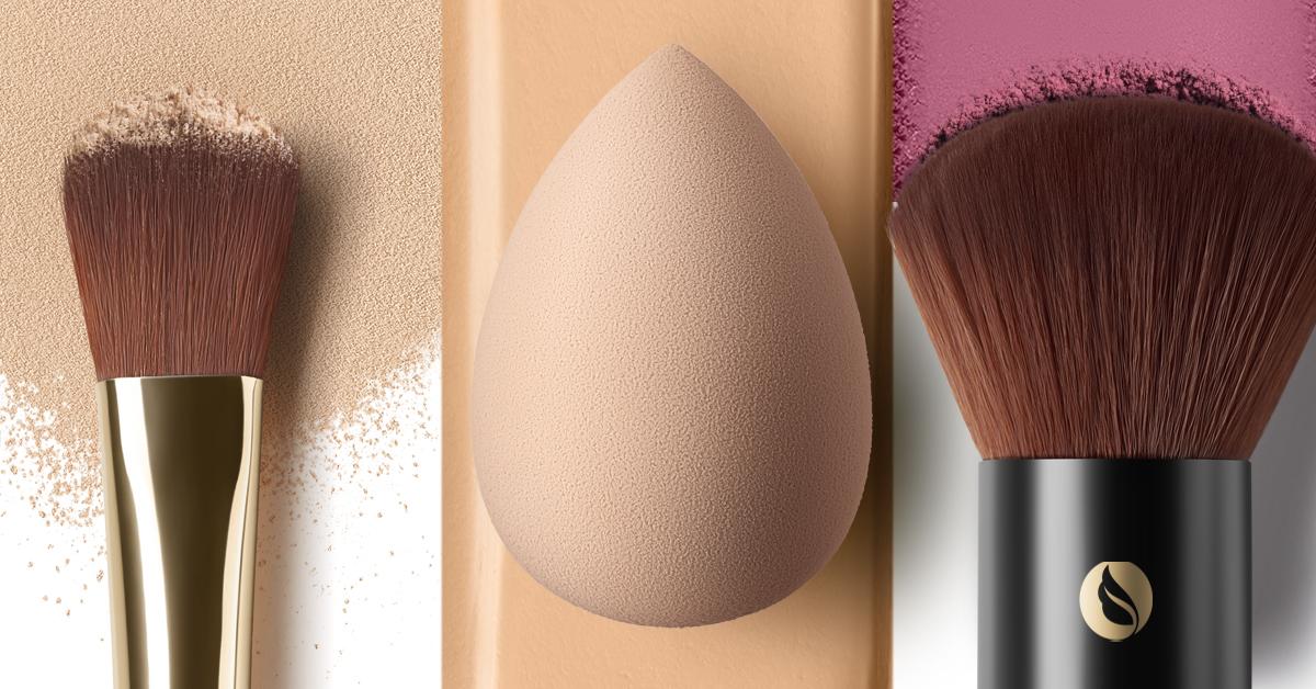 ¿Cuando utilizar brochas o esponjas en tu maquillaje?